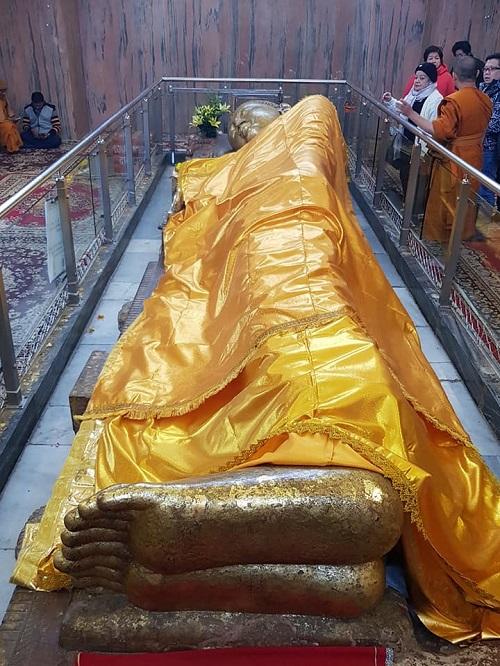 พระพุทธรูปปางมหาปรินิพพาน